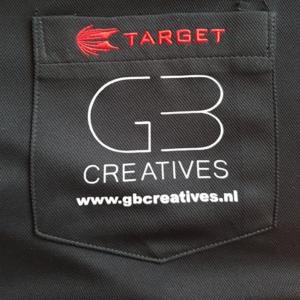 Logo op de borst